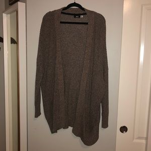 URBAN OUTFITTERS 🌲 slouchy brown knit cardigan